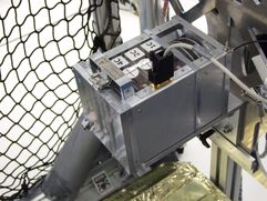 Dummy picosatellites in separation mechanism